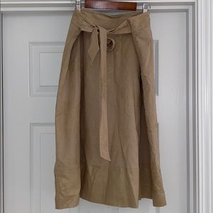 Skirt tan with hint of gold